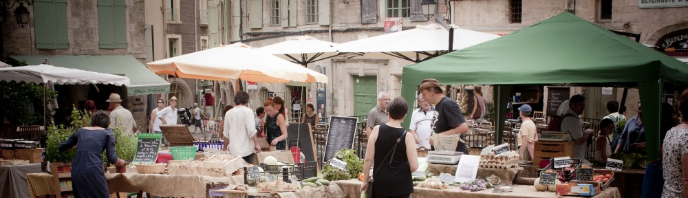near french cottage , farmers market in Pézenas