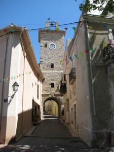 Tour de Fontès proche du gite La Salsepareille
