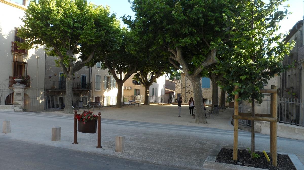 Caux 34720 dans le Languedoc Hérault  | Le jeu de ballon