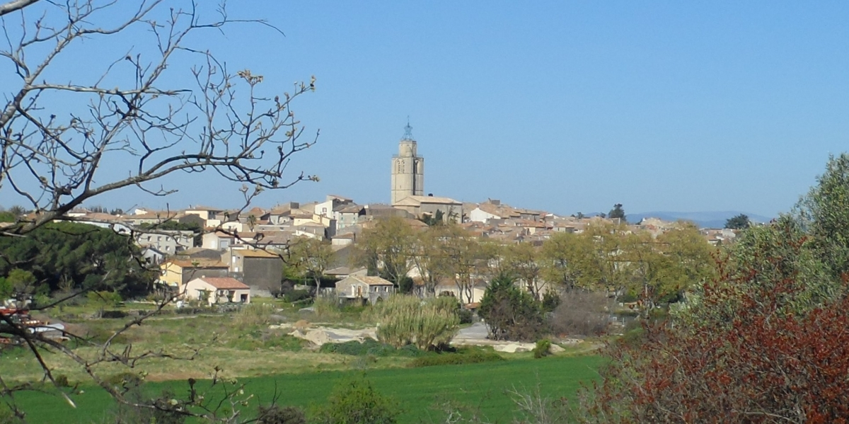 Caux 34720 dans le Languedoc Hérault  | vue du village